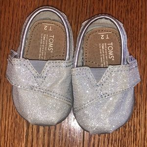 Baby toms size 2